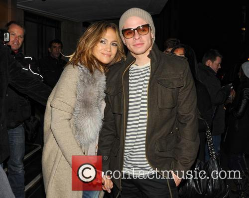 Jennifer Lopez and Casper Smart 9