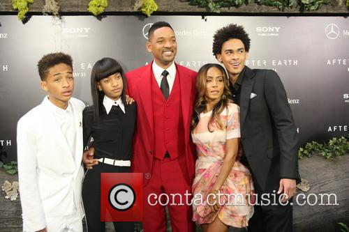 Jaden Smith, Willow Smith, Will Smith, Jada Pinkett-smith and Trey Smith 3