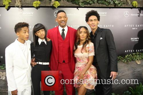 Jaden Smith, Willow Smith, Will Smith, Jada Pinkett-smith and Trey Smith 4