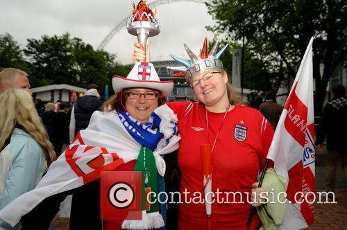 England v Republic of Ireland - Fans
