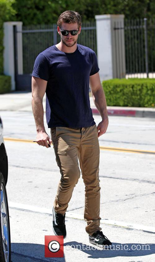 liam hemsworth liam hemsworth leaves the gym 3692202