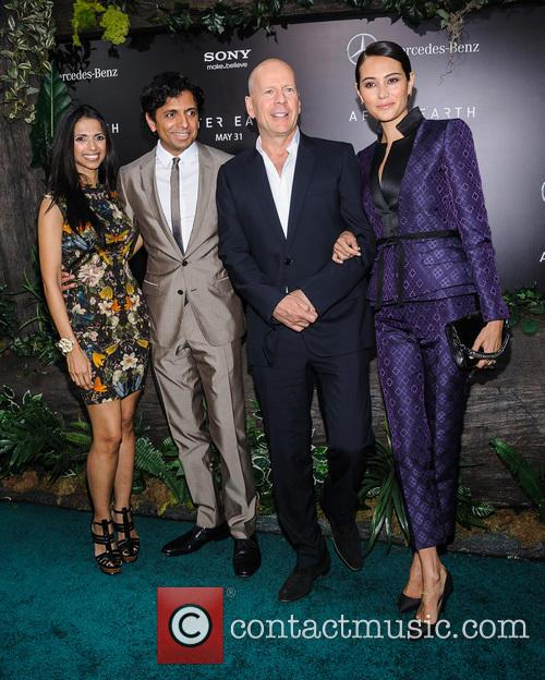 M Night Shyamalan, Bruce Willis and Emma Heming 1