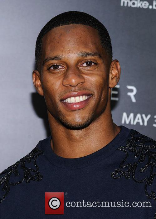 victor cruz after earth premiere 3692850