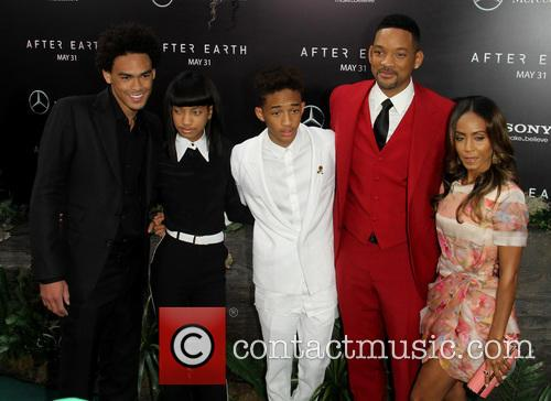 Trey Smith, Willow Smith, Jaden Smith, Will Smith and Earth 3