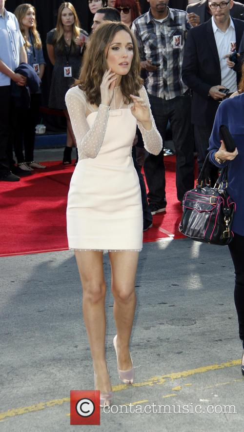 Rose Byrne - The Internship Premiere | 3 Pictures ...Rose Byrne The Internship Scenes