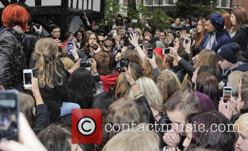 30 Seconds to Mars busk in Soho Square...