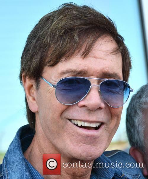 sir cliff richard sir cliff richard meets 3694107