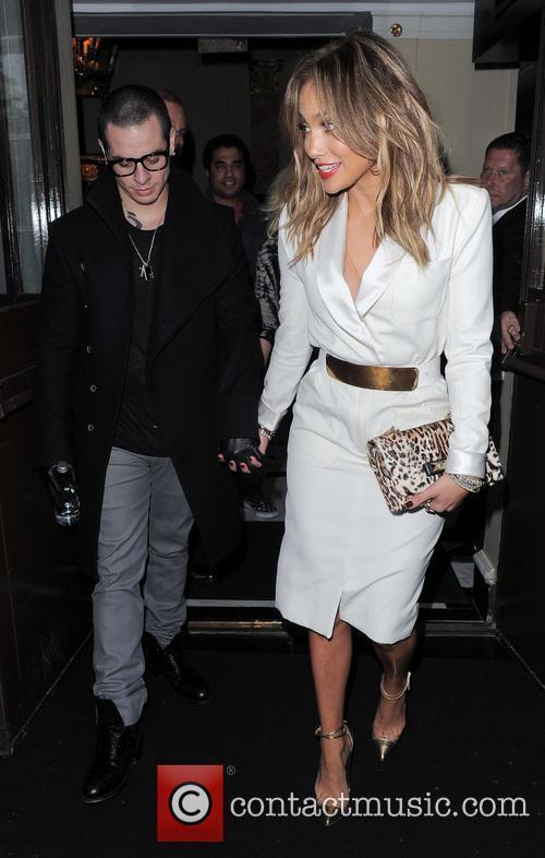 Jennifer Lopez and Casper Smart 10