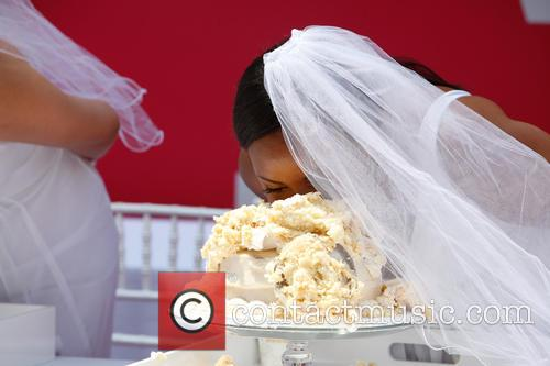 Bridezillas Cake Eating Competition 5