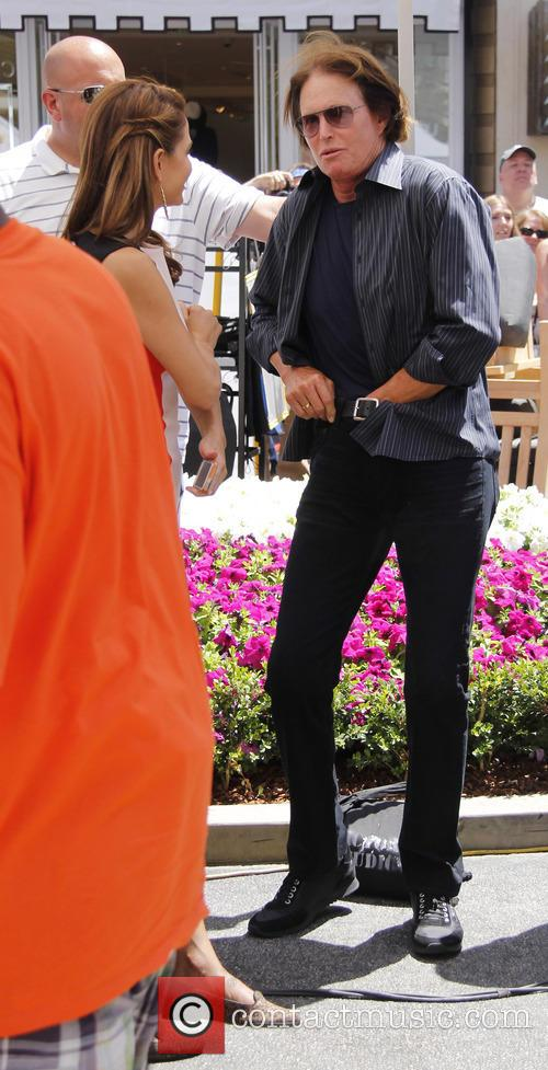 bruce jenner extra at the grove 3695044