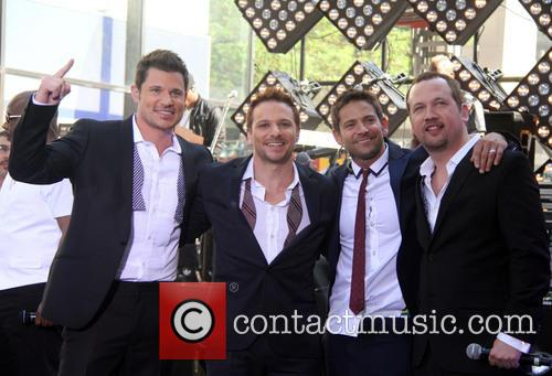 Nick Lachey, Jeff Timmons, Drew Lachey, Justin Jeffre and 98 Degrees 6