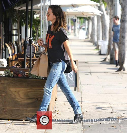 Olivia Wilde shops in Los Angeles