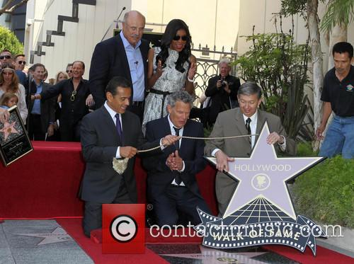 Phil Mcgraw, Mayor Antonio Villaraigosa, Natalie Cole, David Foster and Leron Gubler 2