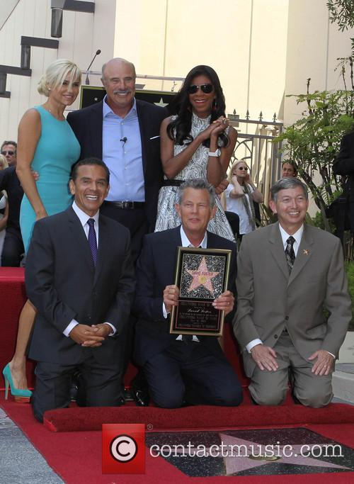 Yolanda Hadid, Phil Mcgraw, Mayor Antonio Villaraigosa, Natalie Cole and David Foster 2