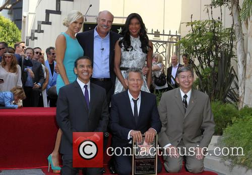 Yolanda Hadid, Phil Mcgraw, Mayor Antonio Villaraigosa, Natalie Cole and David Foster 9