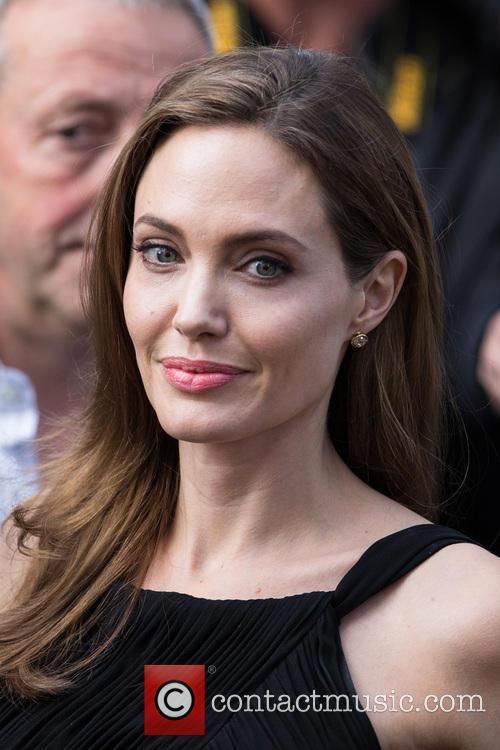 Angelina Jolie 15