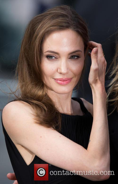 Angelina Jolie 33