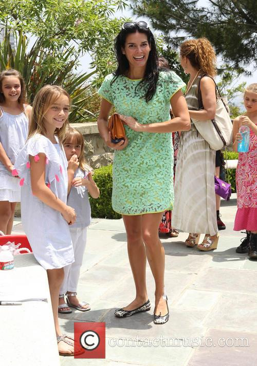 Angie Harmon and Daughters 2