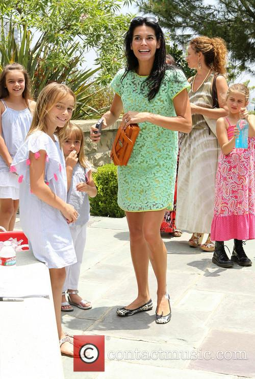 Angie Harmon and Daughters 8