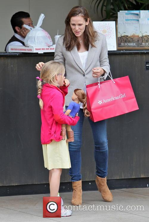 Jennifer Garner and Violet Affleck 7