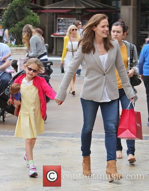 Jennifer Garner and Violet Affleck 10