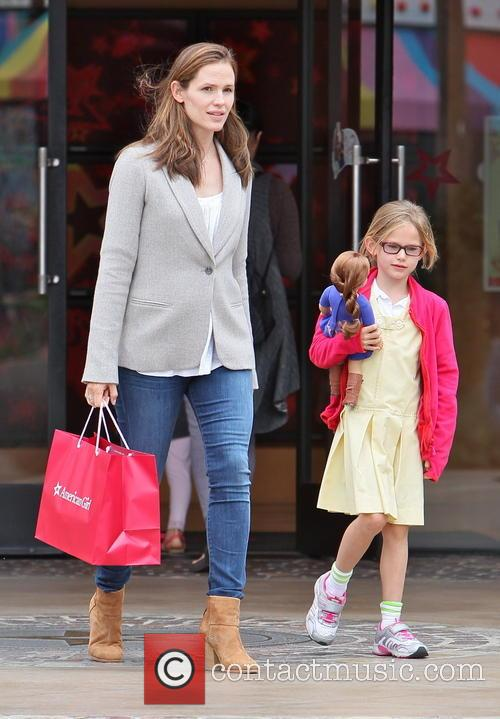 Jennifer Garner and Violet Affleck 13