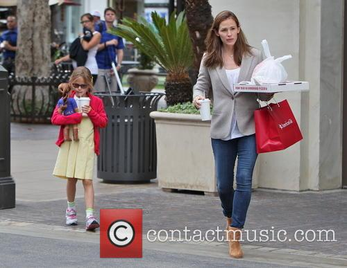 Jennifer Garner and Violet Affleck 21