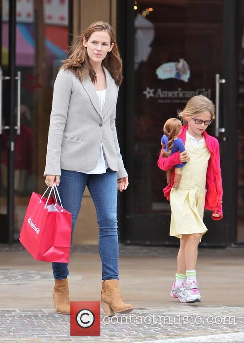 Jennifer Garner and Violet Affleck 22