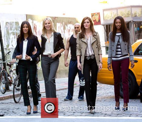 Karolina Kurkova, Hilary Rhoda and Models 9