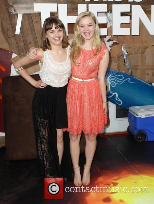 Joey King and Sierra Nicole Mccormick 6