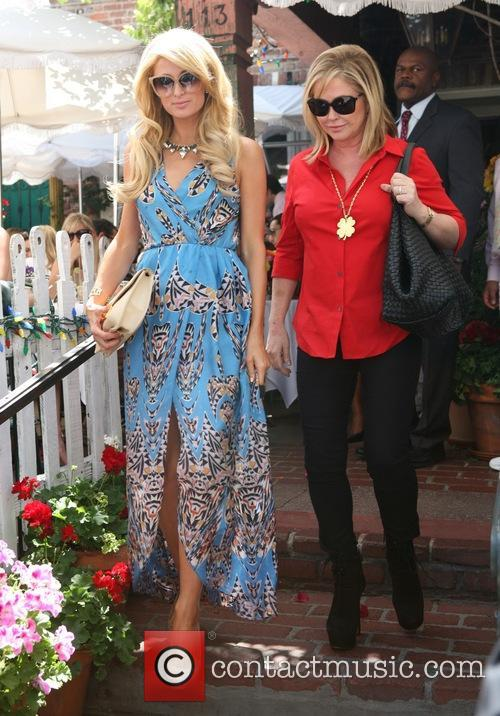 paris hilton kathy hilton paris hilton has lunch 3704953