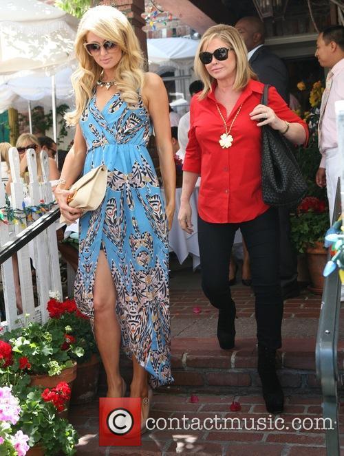 Paris Hilton and Kathy Hilton 1