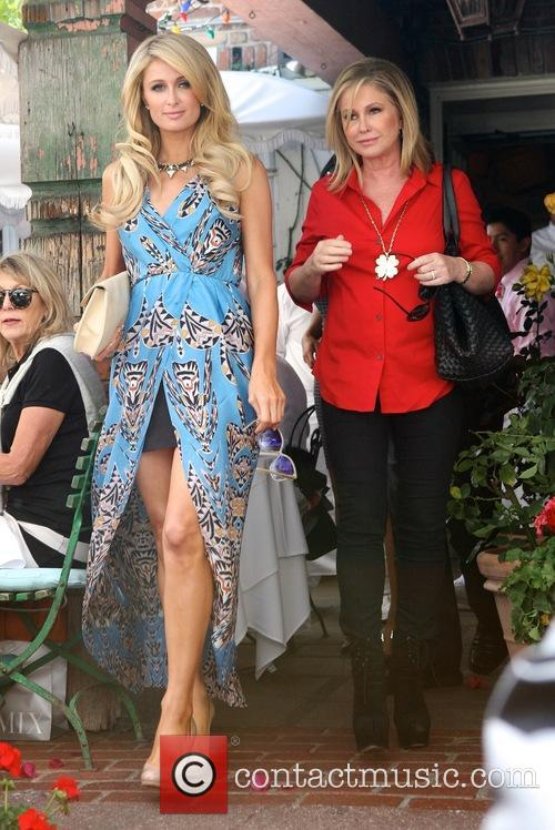 Paris Hilton and Kathy Hilton 7
