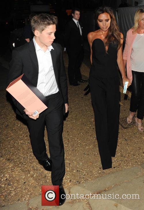 Victoria Beckham Leaves The Glamour Awards