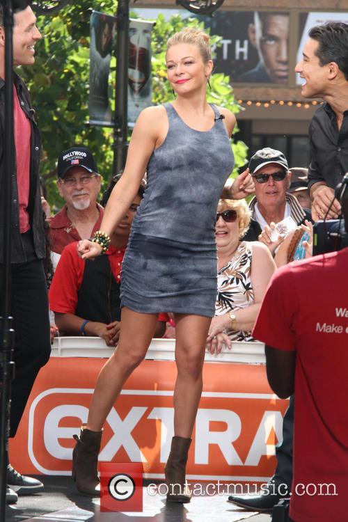 LeAnn Rimes at The Grove for an appearance on entertainment news show 'Extra'