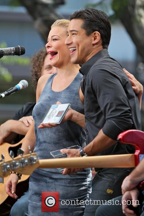 Leann Rimes and Mario Lopez 5