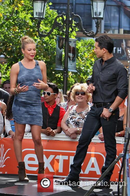 LeAnn Rimes and Mario Lopez 4
