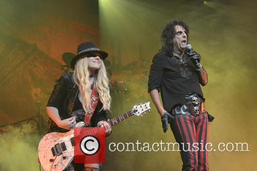 Alice Cooper and Orianthi Panagaris 4