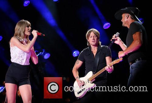 Taylor Swift, Keith Urban and Tim McGraw 1