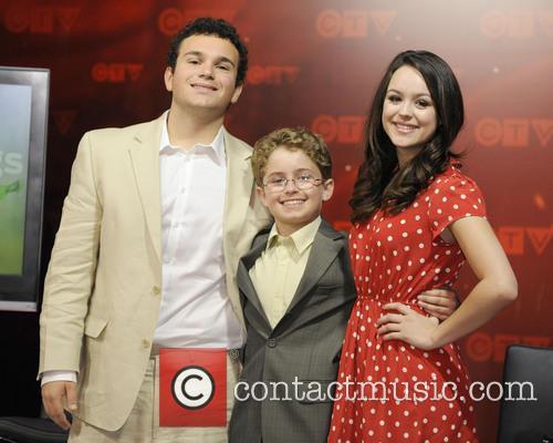 Troy Gentile, Sean Giambrone and Hayley Orrantia 1