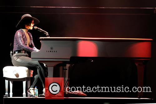 Alicia Keys 18