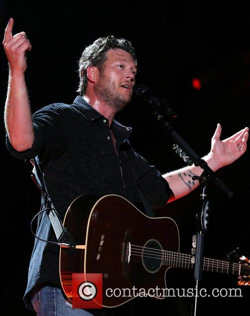 Blake Shelton, LP Field