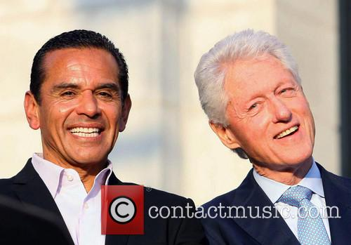 Antonio Villaraigosa and Bill Clinton 7