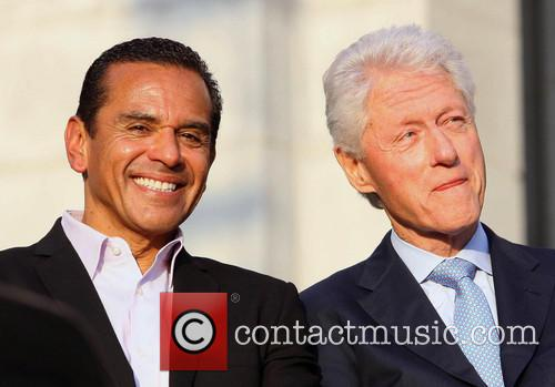 Antonio Villaraigosa and Bill Clinton 8