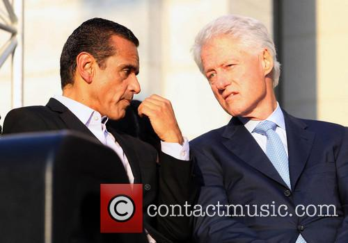 Antonio Villaraigosa and Bill Clinton 1