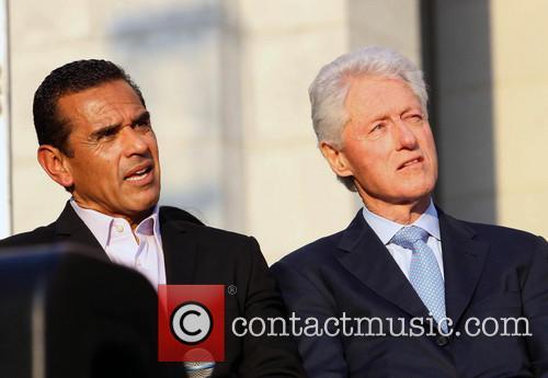 Antonio Villaraigosa and Bill Clinton 9
