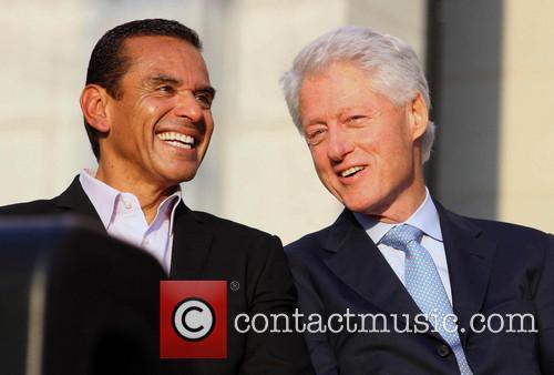 Antonio Villaraigosa and Bill Clinton 10