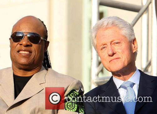 Stevie Wonder and President Bill Clinton 6