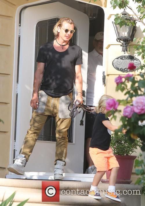 Gwen Stefani leaving her mother's house with Gavin...