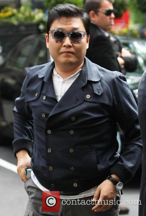 PSY arriving at his hotel
